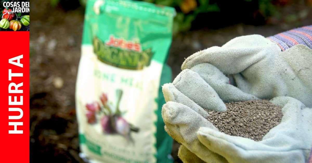 En la jardinería orgánica se suele usar fertilizante de harina de hueso para agregar fósforo al suelo del jardín, pero es cierto que muchas personas, que no estén familiarizadas con esta enmienda orgánica del suelo, puedan preguntarse: