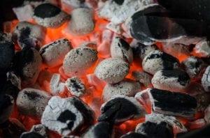 no uses ceniza de carbon ni de briqueta