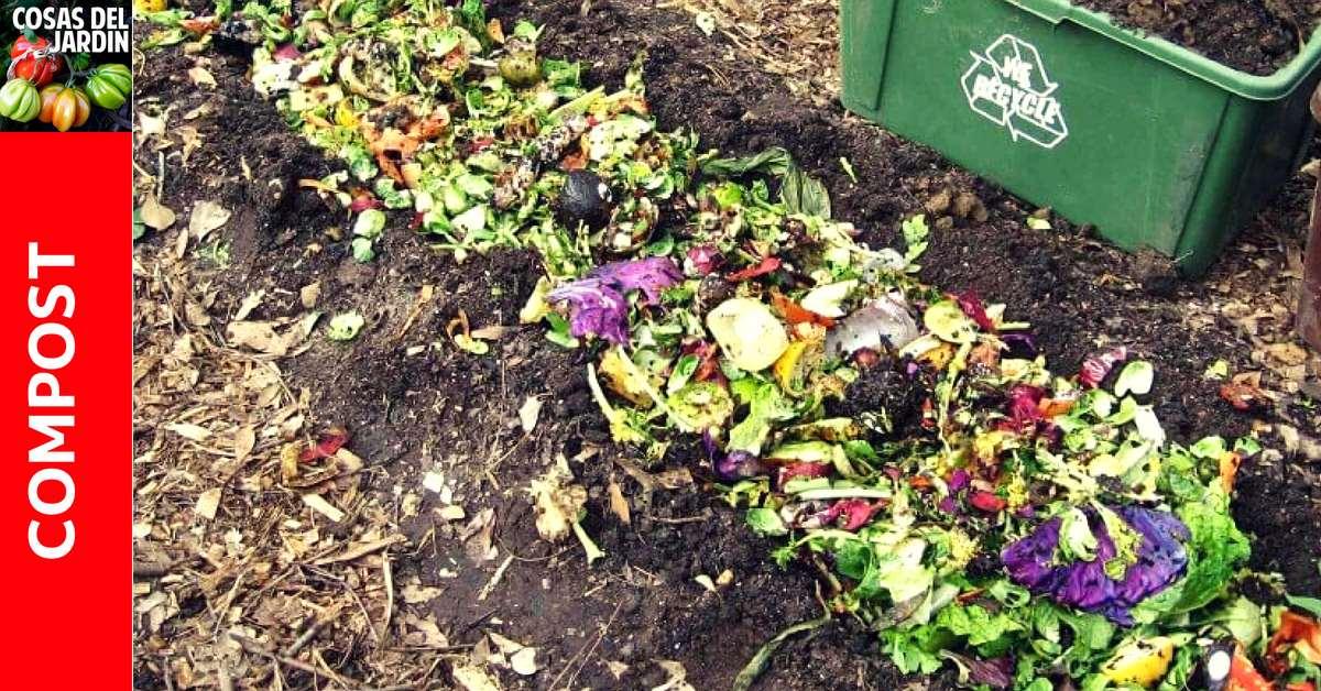 Cómo hacer compost en el jardin enterrando restos de comida. Simple, Fácil y Efectivo